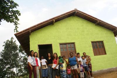 Prefeitura de Itapemirim contempla mais três famílias com o Projeto Moradia com Dignidade.