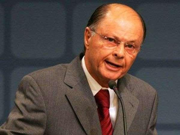 Edir Macedo negocia compra da CNT por R$ 300 milhões, diz si