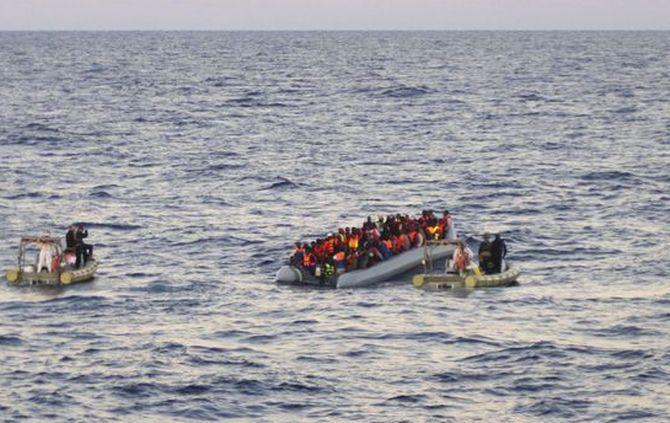 Indonésia - 400 imigrantes salvos no mar