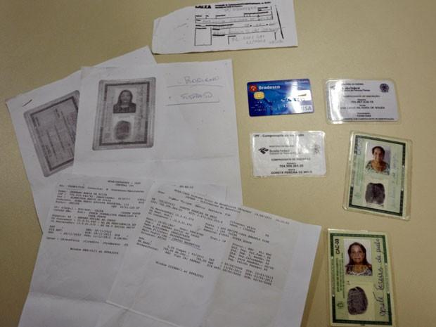 Idosa é presa ao tentar saque do INSS com documentos falsos