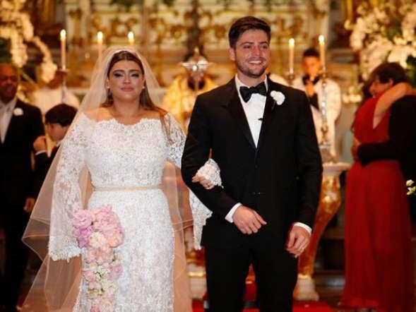 Vestido de noiva similar ao de Preta Gil pode custar até R$