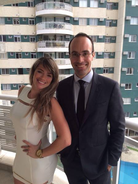 Após oito anos, Fani Pacheco consegue chave de apartamento q