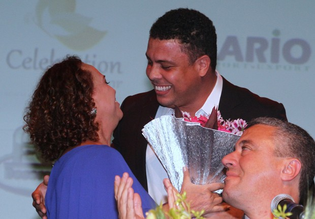 Ronaldo e Celina Locks prestigiam homenagem a Sônia Nazário